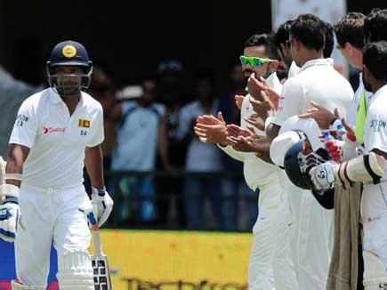 भारतीय खिलाड़ियों ने बनाया गार्ड ऑफ ऑनर संगकारा को