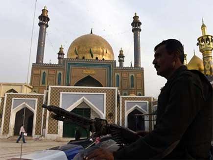 shahbaz-qalandar-shrine 2017217 13367 17 02 2017