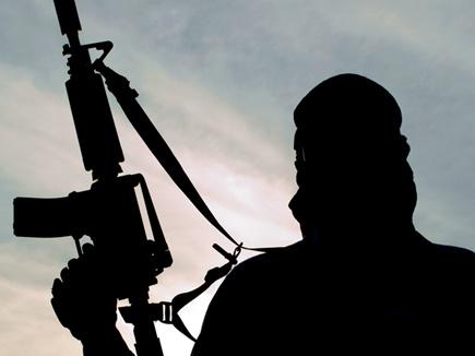 अनंतनाग में पुलिस पार्टी पर आतंकी हमला, 1 शहीद, दो घायल