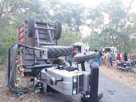 tractor accident dantewada news 2017222 11820 22 02 2017