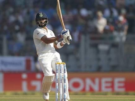 कप्तान विराट कोहली ने ठोकी सेंचुरी, संभली भारतीय पारी