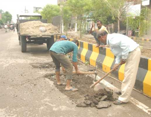 MC not take intersted in Pach Work of Sodal Roads