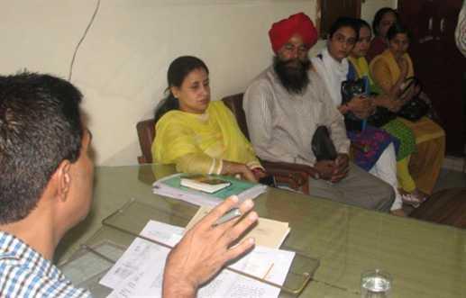 govt teacher wlii take leacve to meet education minister