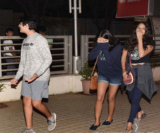 Akshay Kumar Son Aarav Caught On A Movie Date With Girlfriend ...