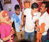 फर्रुखाबाद: सट्टेबाजी की सूचना पर छापेमारी करने पहुंची पुलिस तो युवक ने आत्मदाह का किया प्रयास