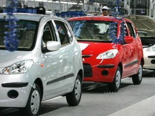 अप्रैल में 17 प्रतिशत घटी पैसेंजर वाहनों की बिक्री, कारों की बिक्री में 20 प्रतिशत की कमी