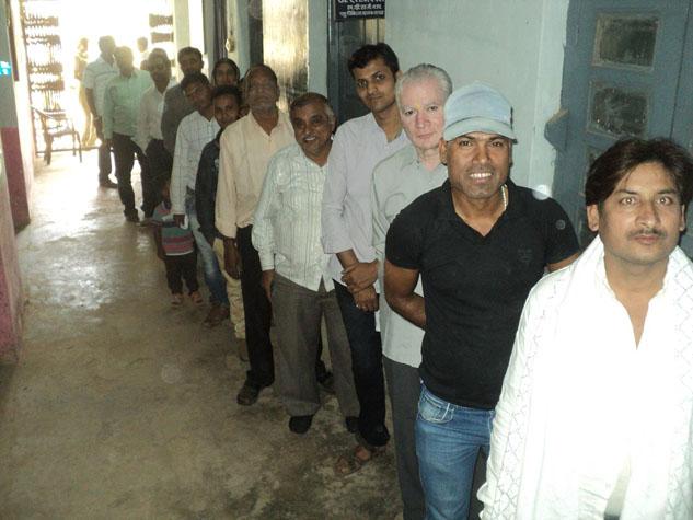 बस्तर संसदीय सीट पर नक्सली वारदातों के बीच मतदान