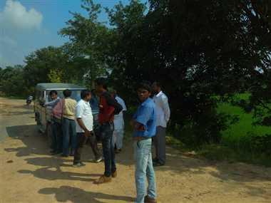 पानी रोक नहर निर्माण, किसानों को नहीं मिल पा रहा पानी