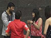 क्रिकेट खेल रहे कलाकारों से मिलने पहुंच गईं एकता कपूर