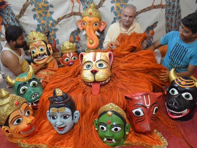 Narsingh Jayanti 2019 : 200 साल पुराने भगवान नृसिंह के मुखौटे पर चढ़ाया स्वर्ण वरक