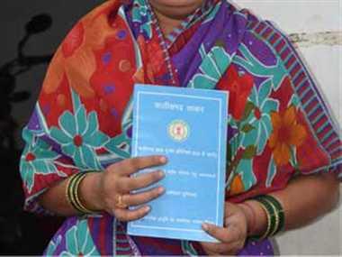 राशन कार्ड निरस्त पर घिरे खाद्य मंत्री, विपक्ष ने किया बहिर्गमन