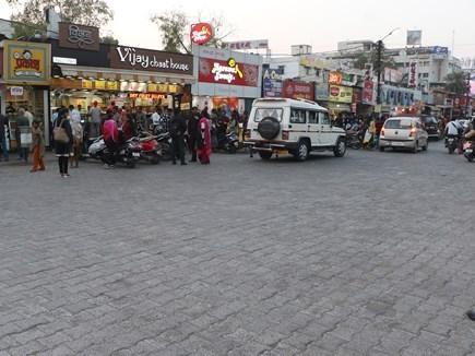 इंदौर के '56 दुकान' को देश का दूसरा क्लीन स्ट्रीट फूड हब बनाने की तैयारी