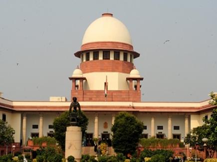 SC के पांच जजों की बेंच में आधार की अनिवार्यता पर सुनवाई जारी