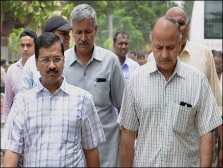 AAP को झटका, राष्ट्रपति ने मंजूर की 20 विधायकों की सदस्यता रद्द करने की अनुशंसा