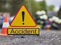 गुजरात में कार-ट्रक के बीच टक्कर, दुल्हन सहित चार की मौत