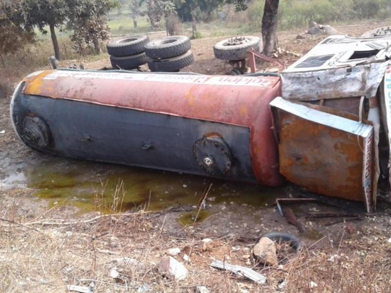 Rajasthan: वैन पर पलटा एसिड से भरा टैंकर, नौ लोगों की मौत