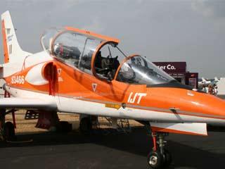 वायु सेना खरीदेगी इंटरमीडिएट जेट ट्रेनर्स