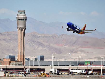 पायलट के निर्धारित समय को लेकर एयरलाइंस कंपनियां पहुंचीं हाईकोर्ट