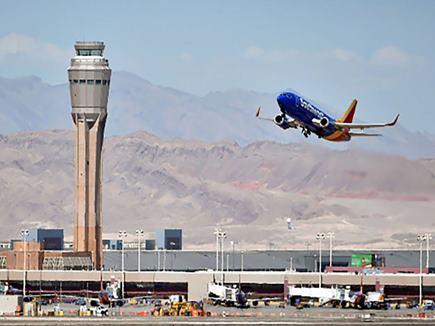 महिला यात्री से दुर्व्यवहार पर दो एयरलाइंस को 35 लाख मुआवजा देने का आदेश