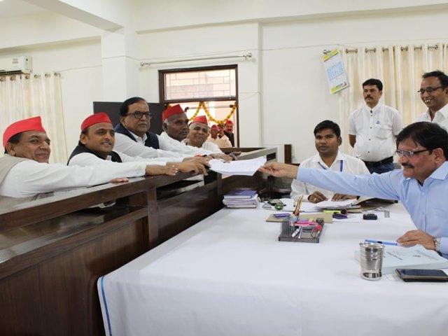 Lok Sabha Election 2019: आजमगढ़ से सपा अध्यक्ष अखिलेश ने किया नामांकन