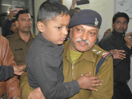 VIDEO इंदौर से अपहृत 6 साल का बच्चा इस तरह हुआ बरामद, पढ़िये पूरी कहानी