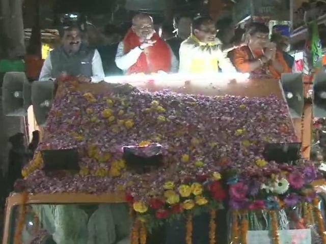 Amit Shah Road Show in Bhopal : आतिशबाजी के बीच डेढ़ घंटे तक चला भाजपा अध्यक्ष का रोड शो