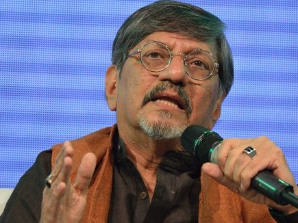 VIDEO: अमोल पालेकर ने की सरकार की आलोचना, तो बीच में रोका गया कार्यक्रम