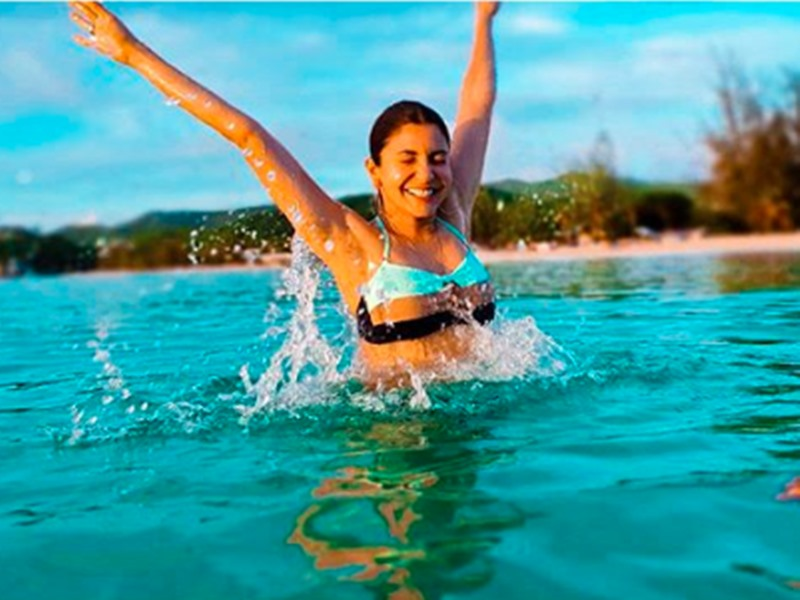 Anushka Sharma Beach Vacation: अनुष्का की Bikini Pics देख अर्जुन कपूर ने लिखा ऐसा कमेंट