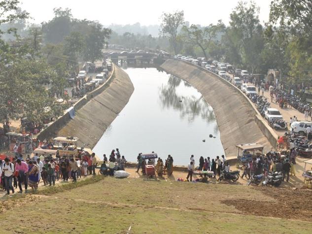 बिलासपुर के खूंटाघाट बांध में सैलानियों का सैलाब