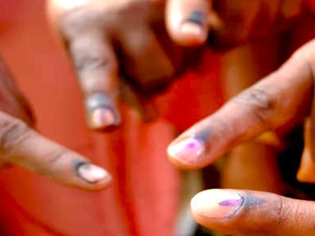 Arunachal Pradesh Polling: जानिए दोनों सीटों पर वोटिंग का हाल, पहली बार महिला प्रत्याशी मैदान में