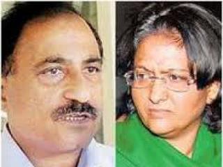 बर्खास्त आईएएस जोशी दंपति के खिलाफ गिरफ्तारी वारंट