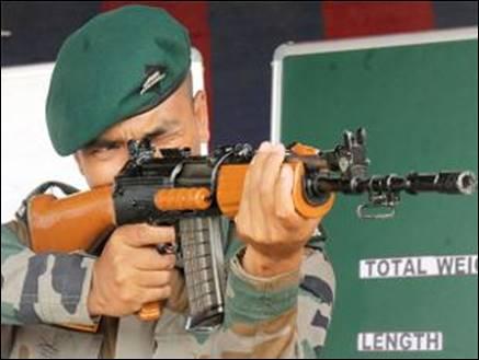 पीएम मोदी के 'मेक इन इंडिया' को झटका, सेना ने रिजेक्ट की स्वदेशी असॉल्ट राइफल