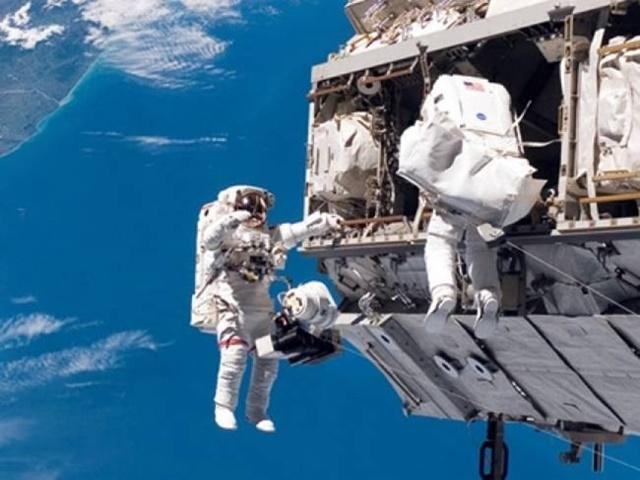 International Space Station: अंतरिक्ष यात्री सफलतापूर्वक पहुंचे अंतरराष्ट्रीय स्पेस स्टेशन