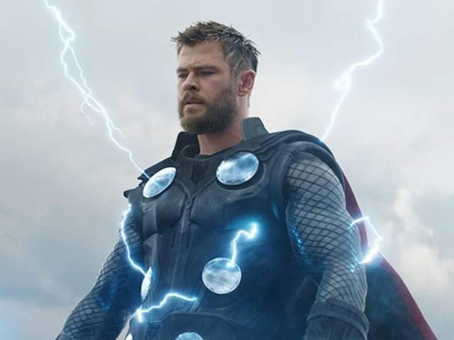 Avengers Endgame में भारी भीड़, कई शहरों में अल सुबह शुरू हुए शो
