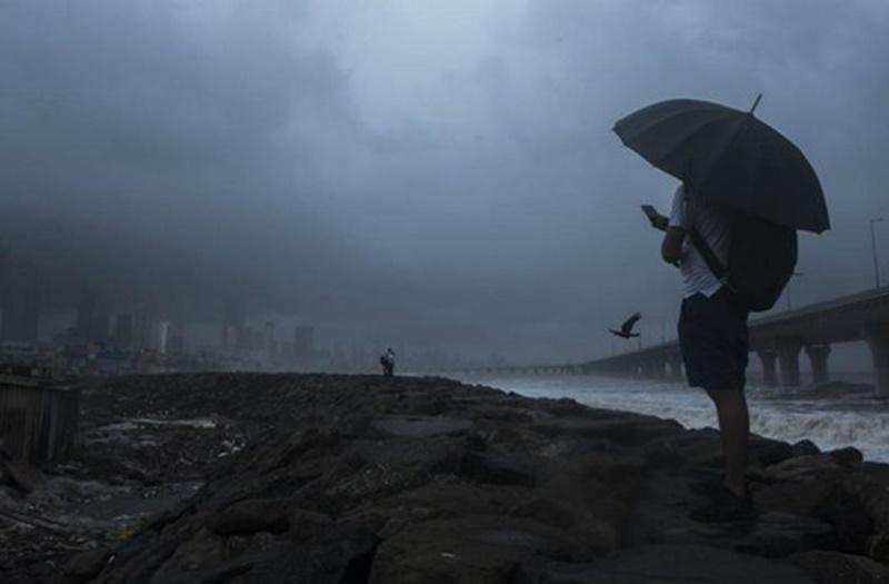 Weather Update : मानसून ने बदला रूख, उत्तर भारत में मौसम रहेगा शुष्क, गुरुवार को इन राज्यों में हो सकती है भारी बारिश