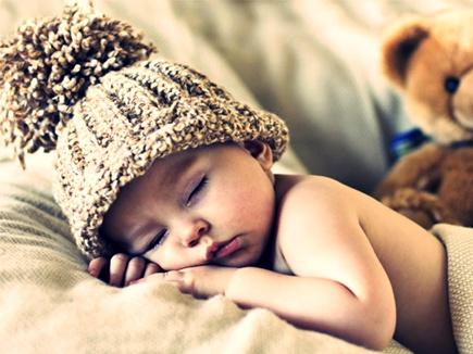 चाणक्य नीति: ये सो जाएं तो आप जगा दें, और ये सो रहे हों तो न जगाएं