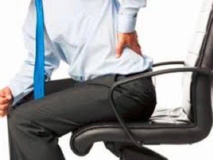 पीठ में दर्द है? तो काम के समय बेहतर पोश्चर के लिए अपनाएं ये टिप्स