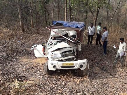 बालाघाट के पास तेज रफ्तार वाहन पेड़ से टकराया, दो की मौत