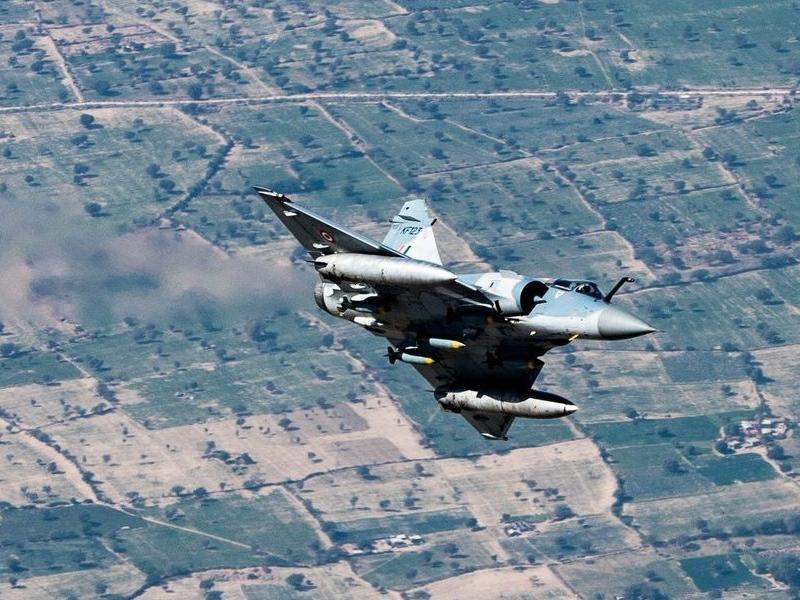 Article 370: पाकिस्तान को बालाकोट से भी बड़ी कार्रवाई का डर