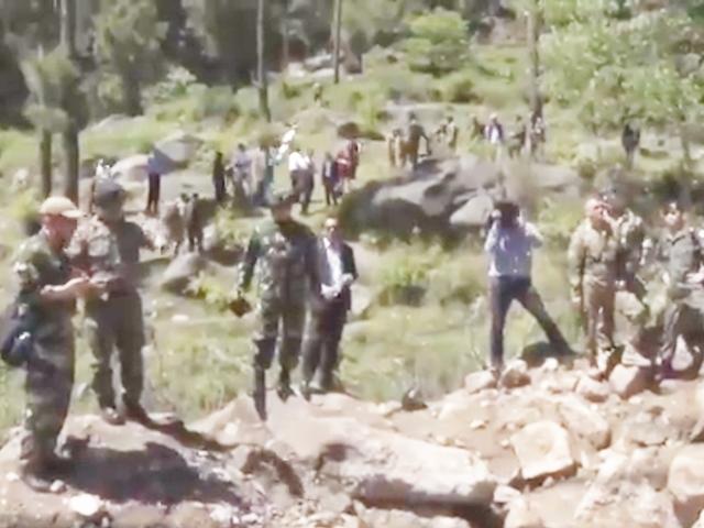 Balakot Air Strike के 43 दिन बाद अंतरराष्ट्रीय मीडिया को मदरसे में ले गया Pakistan