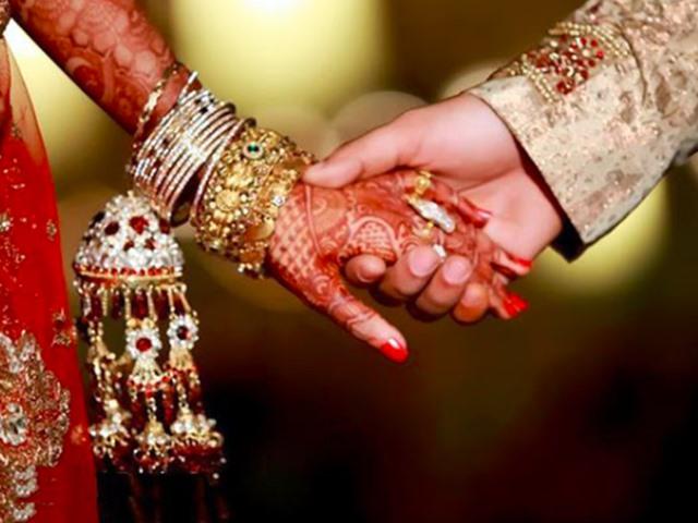 Barmer: बाड़मेर के दूल्हे ने रचाया पाकिस्तान में ब्याह, अब भारत आने के लिए दुल्हन को वीजा का इंतजार