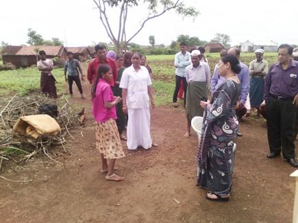 बड़वानी जिले में फूड पॉयजनिंग से महिला की मौत, पति-बेटा गंभीर