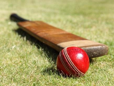 VIDEO : क्रिकेट इतिहास में पहली बार हुआ ऐसा, खिलाड़ी और दर्शक रह गए हैरान