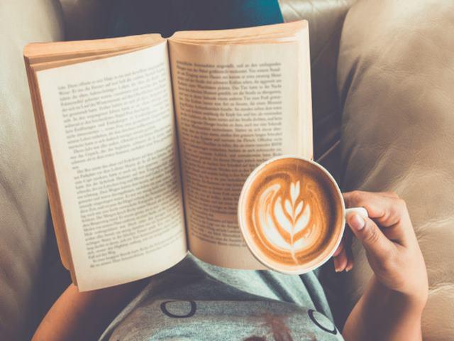Benefits Of Reading: किताब पढ़ते वक्त सक्रिय होता है मस्तिष्क, इसलिए डूबकर पढ़ना है जरूरी