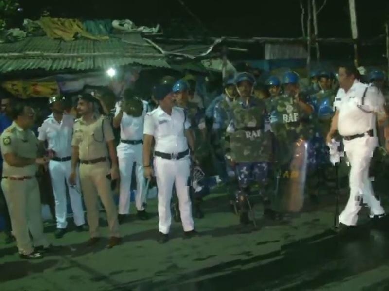 Jadavpur University में बाबुल सुप्रियो पर छात्रों का हमला, राज्यपाल ने अपनी कार में बैठाकर बचाया