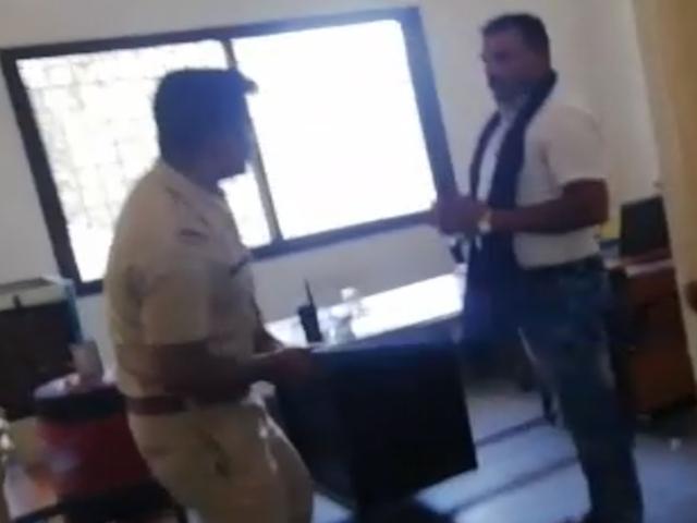 Madhya Pradesh : बैतूल कोतवाली में SI ने युवक को पीटा, वीडियो वायरल, SP ने किया निलंबित