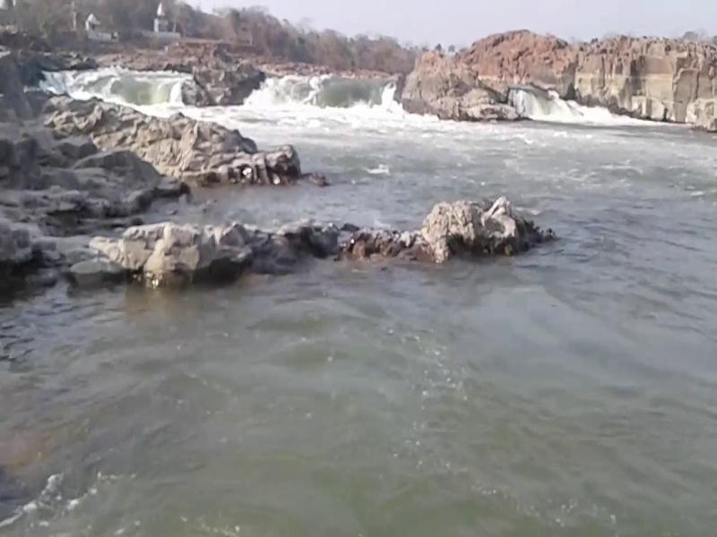 रायसेन जिले की बेतवा नदी में नहाते समय दो युवक बहे, तलाश जारी