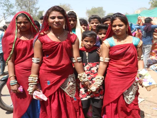 Bhagoria Mela 2019 : रंग-रंगीले भगोरिया मेलों में छाई टोलियां