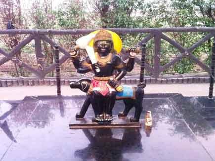 आपत्तियों विपत्तियों के अधिदेवता है भैरव