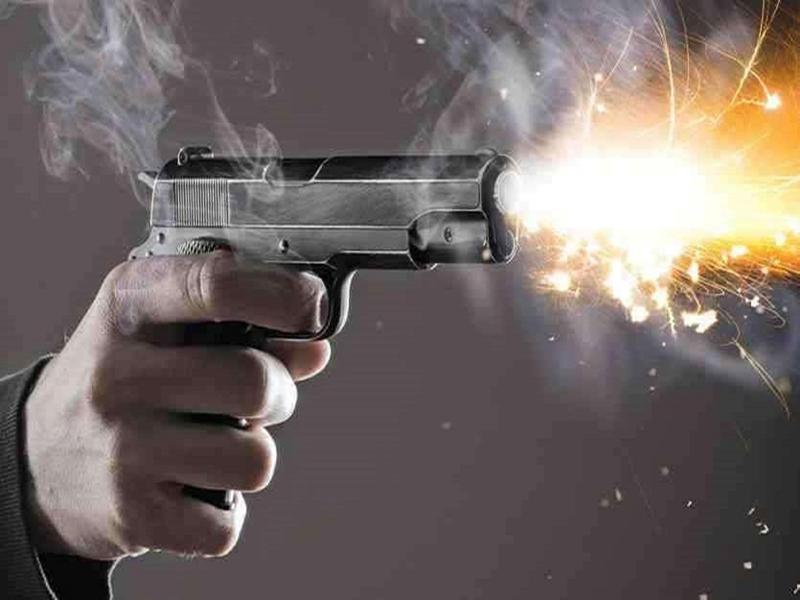 Bhind News :  दोस्तों ने रुपये छीने, थाने में शिकायत की तो गोली मार दी